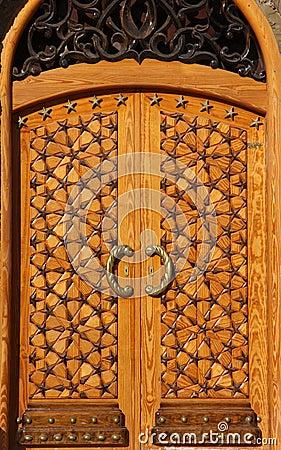Beautiful crafted wooden arabesque door