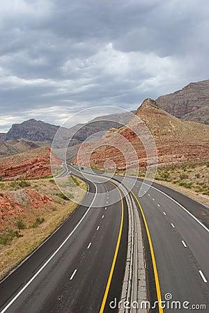 Free Beautiful Desert Road Royalty Free Stock Image - 1405926