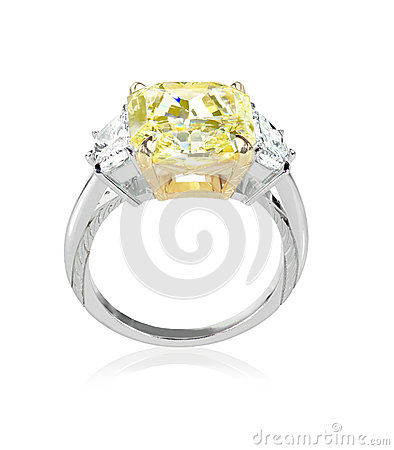 Free Beautiful Diamond Ring With Canary Yellow Or Topaz Center Stone Stock Photography - 37276772