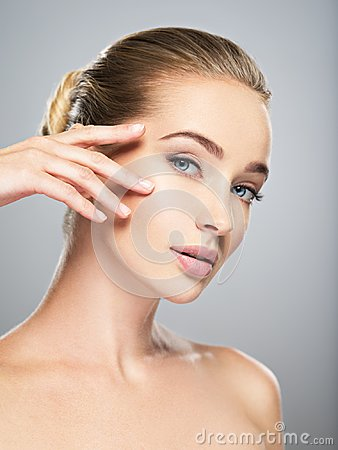 Free Beautiful Face Of Young Woman With Perfect Skin Royalty Free Stock Image - 102301556