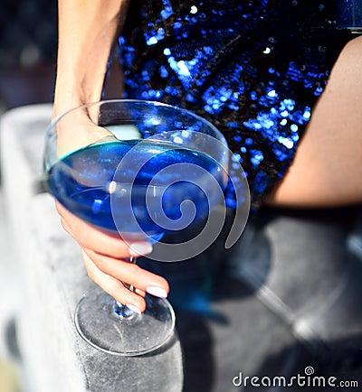 Free Beautiful Fashion Woman Drink Blue Glitter Martini Cosmopolitan Cocktail Royalty Free Stock Photos - 117093898