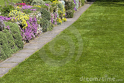 Beautiful Garden Lawn Flowers