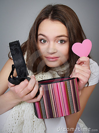 Free Beautiful Girl With A Box And Pink Heart Royalty Free Stock Photo - 17752515