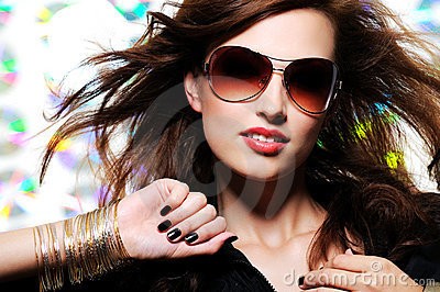 Beautiful glamour fashionable woman in sunglasses
