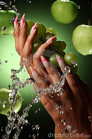 Free Beautiful Hands And Nails On Green Background Stock Images - 16800644