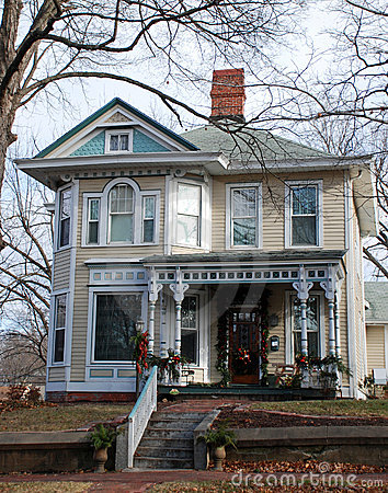Beautiful Home Decorated for Holidays 100