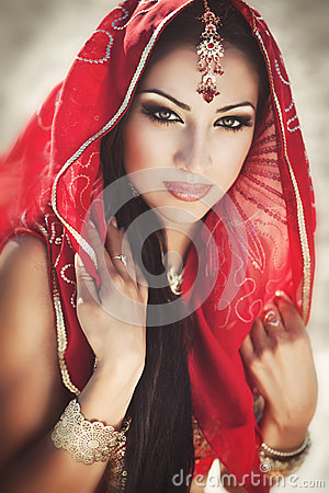 Free Beautiful Indian Woman Bellydancer. Arabian Bride Stock Images - 30023874