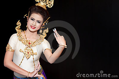 Beautiful lady dancing for original Thai dance Editorial Stock Image
