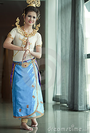 Beautiful lady dancing for original Thai dance Editorial Image