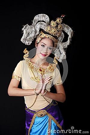 Beautiful lady dancing for original Thai dance Editorial Photography