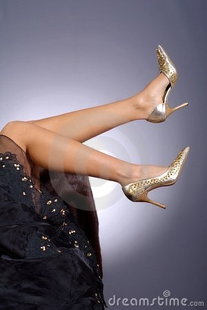 Free Beautiful Legs With Golden Heels Stock Images - 2005284