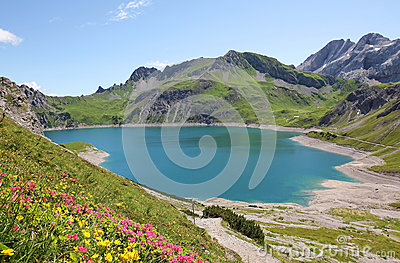 Beautiful lunersee and alpine flowers