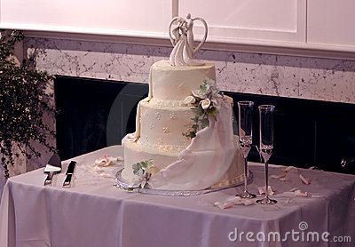 Beautiful Multi-Tier Wedding Cake and Champagne Glasses