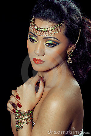 Beautiful ndian woman with bridal makeup