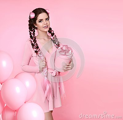 Free Beautiful Pretty Teen Girl Present Gift Box With Bow Over Pink S Stock Photography - 106495822