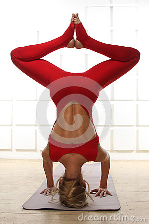 Free Beautiful Sexy Blonde Perfect Athletic Slim Figure Engaged In Yoga, Exercise Or Fitness, Lead A Healthy Lifestyle, And Eats R Royalty Free Stock Image - 43030856