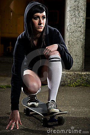 Free Beautiful Skater Teen Girl Royalty Free Stock Images - 11656559