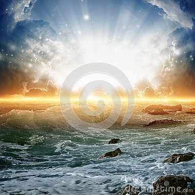 Free Beautiful Sunrise On Sea Royalty Free Stock Images - 29043699
