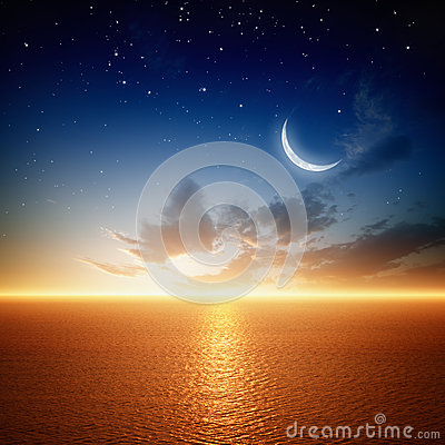 Free Beautiful Sunset With Moon Royalty Free Stock Photos - 31422118