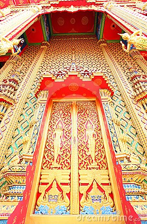 Beautiful Thai temple gate