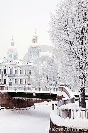 Free Beautiful Winter View Of Bridge Stock Photography - 12600202