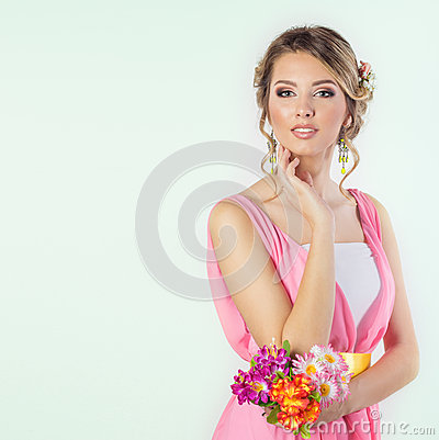 Free Beautiful Woman Girl Like A Bride With Bright Makeup Hairstyle With Flowers Roses In The Head In A Pink Dress Royalty Free Stock Photos - 48489278