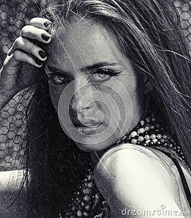 Beautiful woman on gruneg background