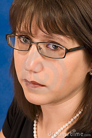 Beautiful woman in her 30s wearing eyeglasses