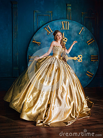 Free Beautiful Woman In A Ball Gown Stock Photography - 86666472