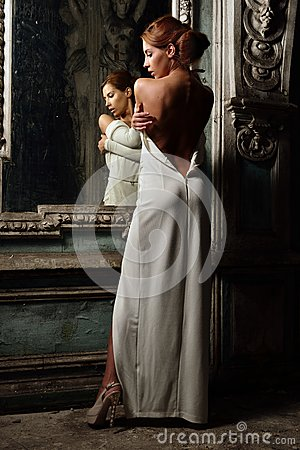 Free Beautiful Woman In White Dress With Naked Back. Royalty Free Stock Image - 33326826