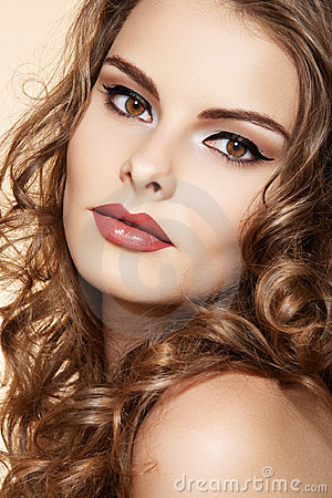 Free Beautiful Woman Model With Makeup, Long Curly Hair Stock Photography - 20443232