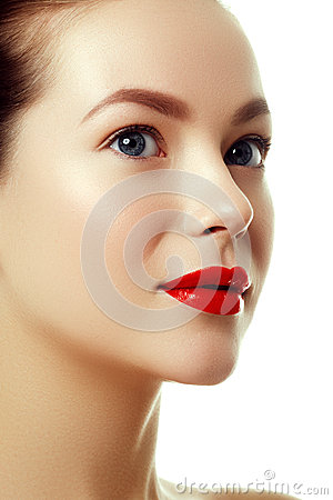 Free Beautiful Woman`s Purity Face With Bright Red Lip Makeup Stock Images - 89493024