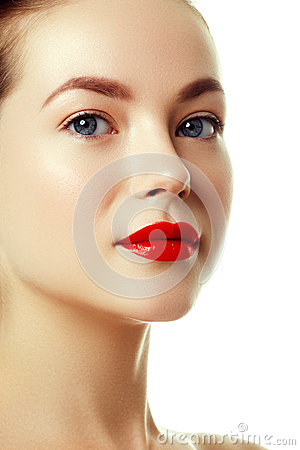 Free Beautiful Woman`s Purity Face With Bright Red Lip Makeup Stock Image - 89493141