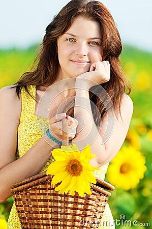 beautiful woman sunflower field 24017173