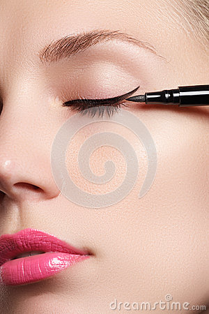 Free Beautiful Woman With Bright Make Up Eye With Sexy Black Liner Makeup. Fashion Arrow Shape. Chic Evening Make-up. Makeup Beauty Wit Stock Photography - 59846342