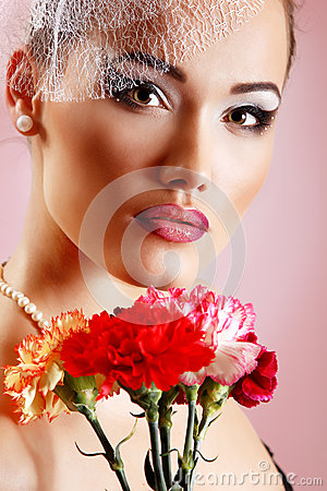 Free Beautiful Woman With Pink Flower Retro Glamour Beauty Portrait Royalty Free Stock Image - 36492276