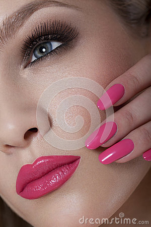 Free Beautiful Woman With Pink Nails And Luxury Makeup. Red Sexy Lips And Long Eyelashes Stock Photos - 38135483