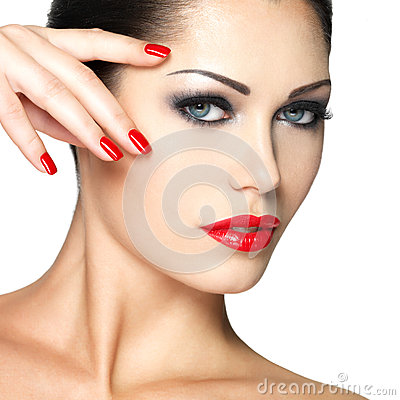Free Beautiful Woman With Red Nails And Fashion Makeup Royalty Free Stock Photography - 27952747