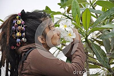 Beautiful Women Hair Dreadlock Kiss Flower