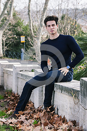 Free Beautiful Young Man Model Autumn / Winter Royalty Free Stock Image - 44185226