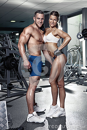 [Image: beautiful-young-sporty-sexy-couple-gym-s...903515.jpg]