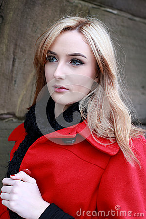 https://thumbs.dreamstime.com/x/beautiful-young-woman-blonde-hair-wearing-red-jacket-bl-black-scarf-cold-windy-day-67797504.jpg
