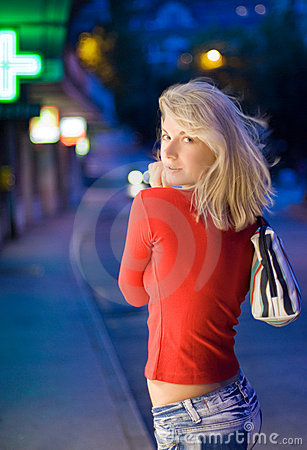 Free Beautiful Young Woman In A City Stock Photography - 5529552