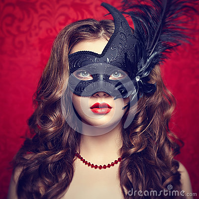Free Beautiful Young Woman In Black Mysterious  Venetian Mask Royalty Free Stock Photography - 43500727
