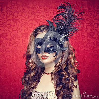 Free Beautiful Young Woman In Black Mysterious  Venetian Mask Royalty Free Stock Images - 43500739
