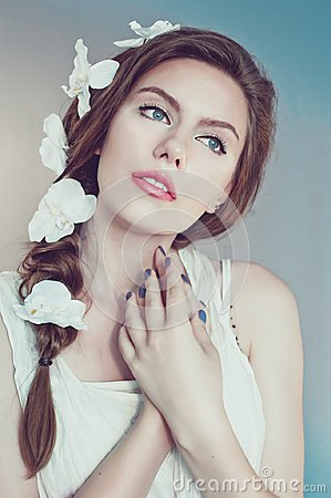 Free Beautiful Young Woman With Delicate Flowers In Their Hair Stock Images - 105990084