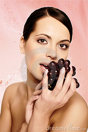 Free Beautiful Young Woman With Grape Royalty Free Stock Photography - 9597167