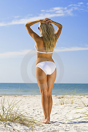 Free Beauty And The Beach Royalty Free Stock Images - 4421209