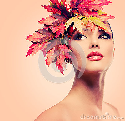 Free Beauty Autumn Woman Royalty Free Stock Photo - 34940785