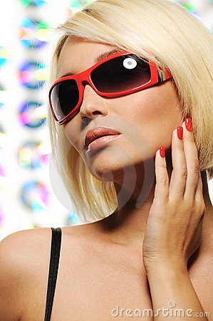 Free Beauty Blond Woman In Red Fashion Sunglasses Royalty Free Stock Image - 10043906